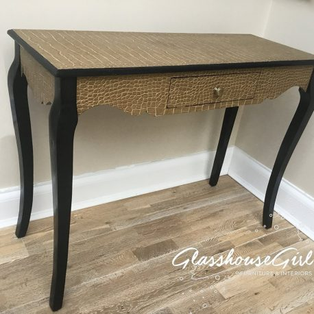 croc-console-table-front-glasshouse-girl