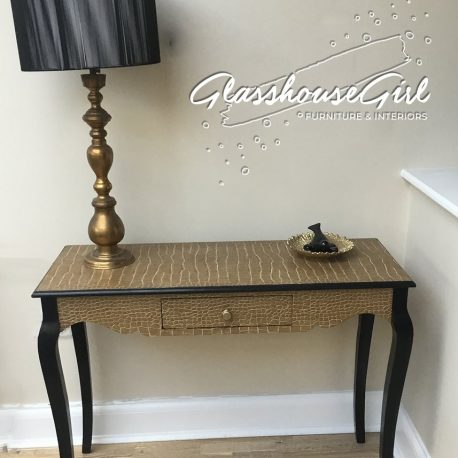 croc-console-table-main-glasshouse-girl