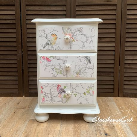 glasshouse-girl-birdie-off-white-perfect-finish-bedside-cabinet-1