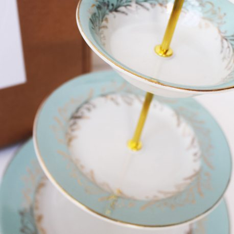 blue-lillies-cake-stand-4