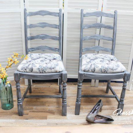glasshouse-girl-grey-roses-farmhouse-chairs-2
