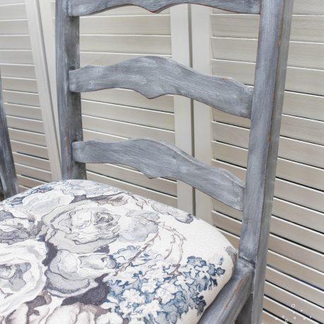 glasshouse-girl-grey-roses-farmhouse-chairs-6