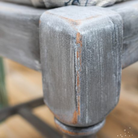 Stone effect & light distressing