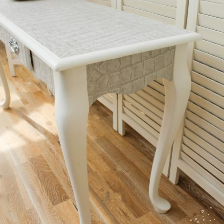 glasshouse-girl-grey-white-croc-console-table-5